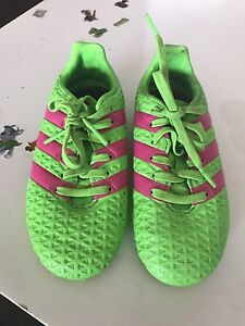Adidas child soccer shoes Adamstown Newcastle Area Preview
