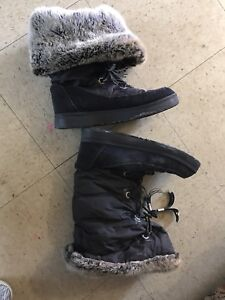 Winter boots size 10 ObO