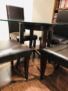 Gorgeous, Modern Dining Room/ Kitchen Table