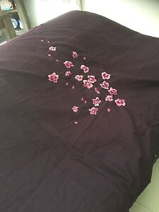 Orchids KB quilt  cover set use once in excellent condition Thomastown Whittlesea Area Preview