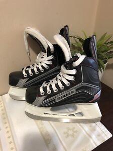 Bauer Ice Skates - Boys Size 1 R (shoe size 2)