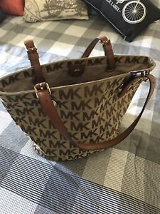 Non-Authentic Micheal Kors Bag