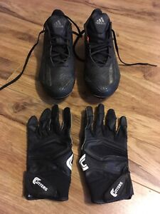 Excellent football cleats and gloves - Size 8 / small