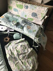 Baby crib bedding whale set