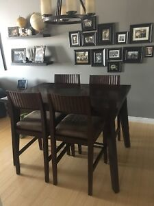 Finesse Dining Table / Kitchen Table + Chairs