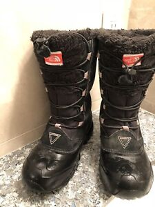 North Face boots for girl size 2 youth