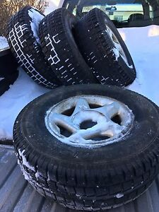 Set of Cooper Discoverer mud and snow tires