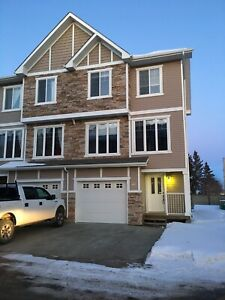 Morinville-3bd townhouse for rent