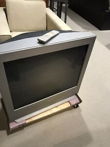 "32"" Sanyo tv.with remote"