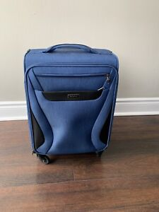 """Brand new 18.5"""" Samsonite suitcase - Carry on size"""