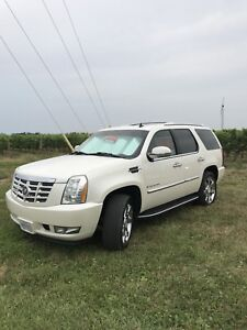 2007 Cadillac Escalade Certified and e-Tested