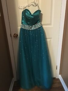 Prom / Formal Dresses (short & long, size 4-14)