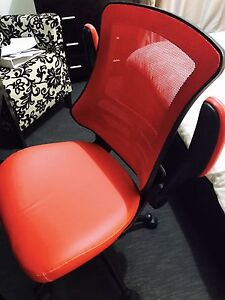 **RED LEATHER OFFICE CHAIR** Hoppers Crossing Wyndham Area Preview
