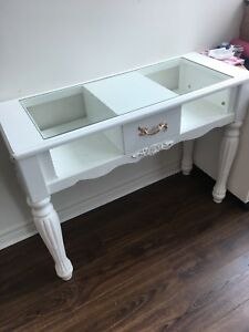 White vintage inspired vanity desk table