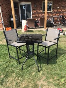 Patio bar set