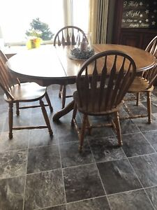 Pedastal Table and 4 chairs