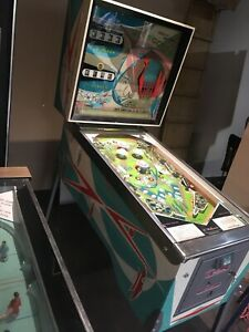 1965 POT O GOLD pinball machine