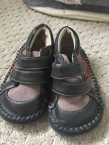 See Kia Run leather toddler shoes size 7. $20