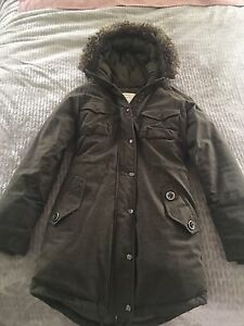 Aritzia Community Down Jacket Coat