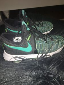 Youth size 5 KD basketball shoes