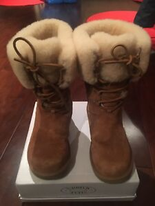 Authentic UGG MontClair Chestnut suede boots size 9