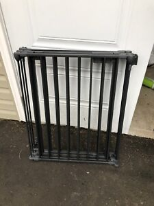 Kidco Auto-Close Fireplace Gate