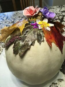 Beautiful white pumpkin decor!