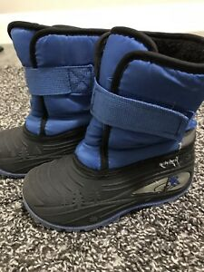 Size 10 toddler snow boots