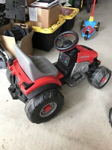 Peg Perego 6 volt  Lil Red Tractor