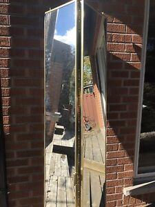 Bi-fold mirror door