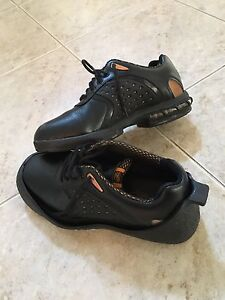 Ladies leather curling shoes