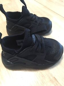 Size 5 Nike shoes