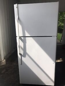 Refrigerator for sale (General Electric