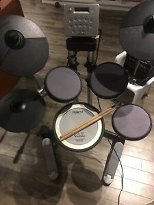 Electronic Drums kit (Roland)