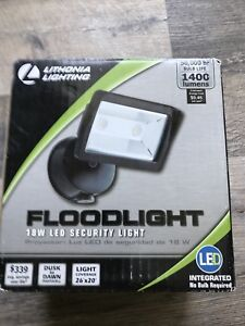 New-in-box 18 W LED Dusk to Dawn Security Light