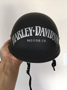 Harley Helmet like new !! Legal DOT.
