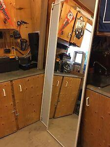 """2 Porte miroir 24""""x80"""" à vendre"""