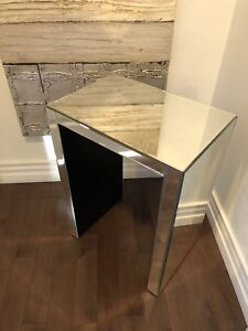 Side table 80$