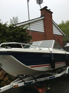 Bowrider boat with 70hp outboard