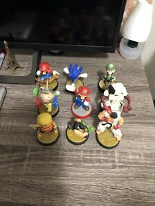 Selling a bunch of AMIIBO