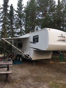 2007 5th wheel 27 ft camper