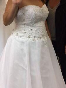 Magnifique robe de mariée grandeur 20
