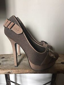 Size 6 heels $15 Each