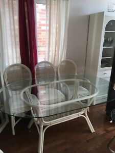 Dining table w/6 chairs wicker/rattan