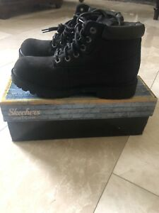 Sketchers boots size 10