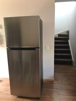 Refrigerator 400l