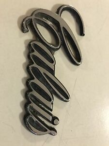 Holden Calais (script) badges Mount Barker Mount Barker Area Preview
