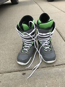 Men's size 9 Orion snow board boots. Like new