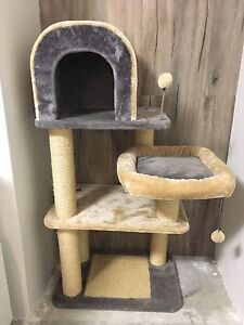 Cat tree with scratching posts Jindalee Wanneroo Area Preview