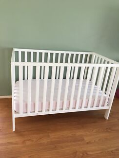 COT + mattress - converts to toddler bed - baby white crib